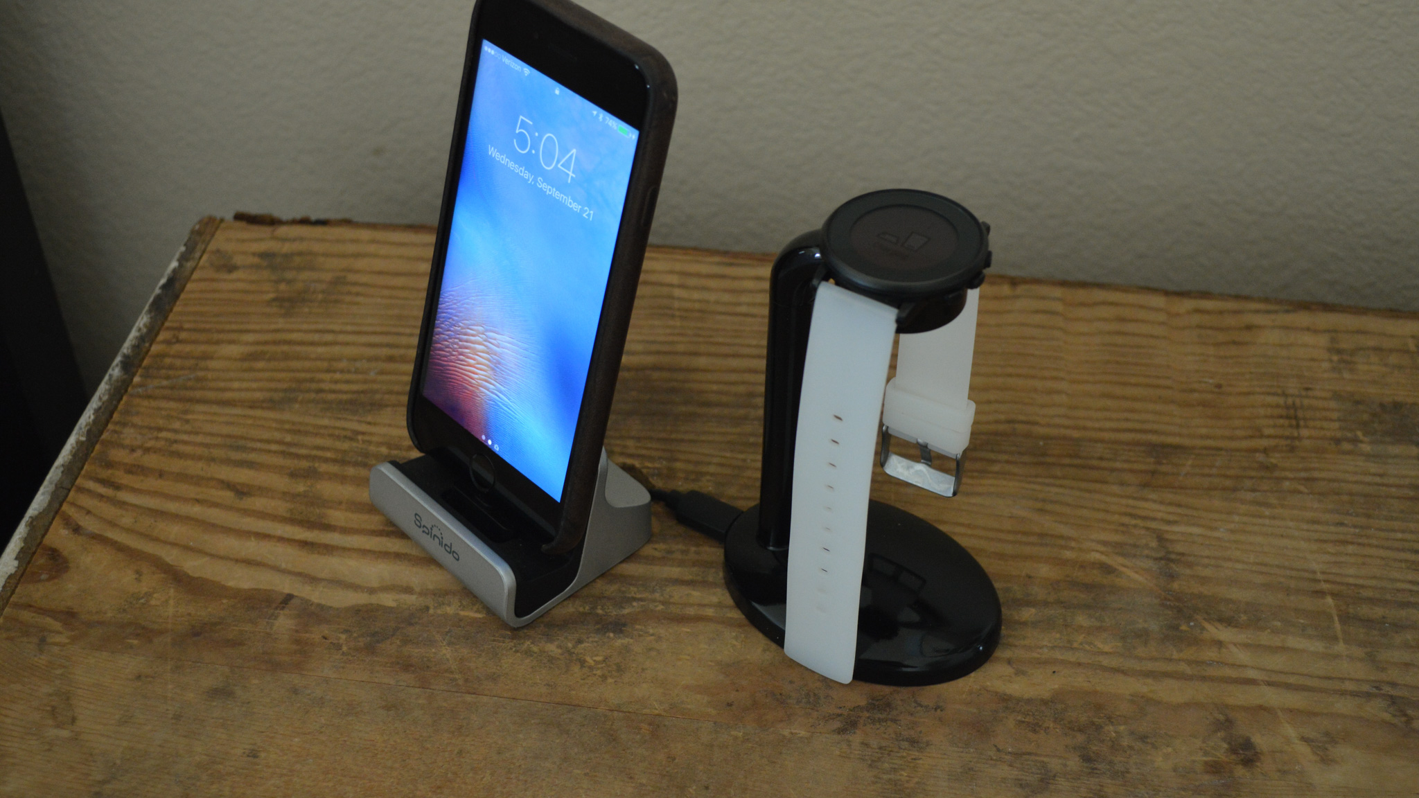 Charging Stand for Pebble Time Round